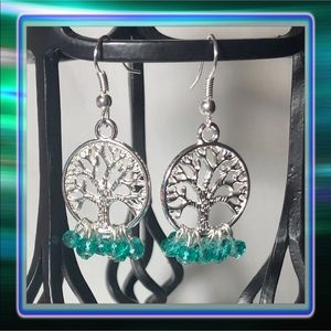 💚 Earrings pair of 2 Tree of Life Crystals Green